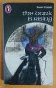 The Dark is Rising (Puffin Books) - Susan Cooper  (käytetty)