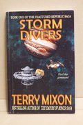 Storm Divers: Book 1 of The Fractured Republic Saga - Terry Mixon  (käytetty)