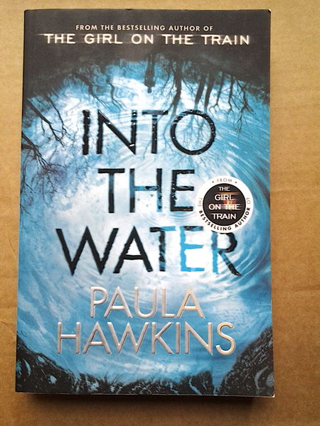 Into the Water - Paula Hawkins (käytetty)