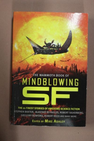 The Mammoth Book of Mindblowing SF (käytetty, englanti)