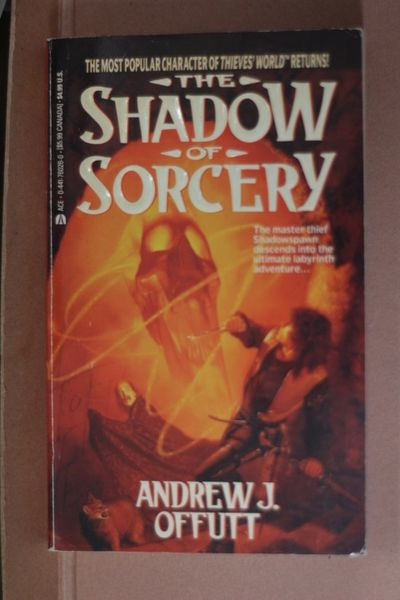 The Shadow of Sorcery, Andrew J. Offutt (käytetty pokkari)