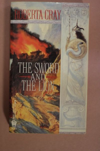 The Sword and the Lion, Roberta Cray (käytetty pokkari)