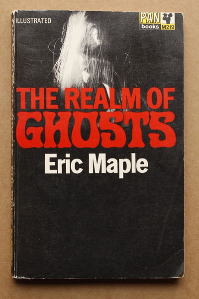 The Realm of Ghosts - Eric Maple (käytetty)