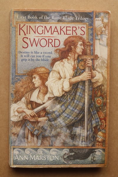 Kingmaker's Sword (The Rune Blade Trilogy, Book 1) - Ann Marston (käytetty)