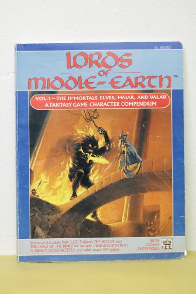 Lords of Middle-Earth, Vol 1 - The Immortals: Elves, Maiar, and Valar (käytetty)