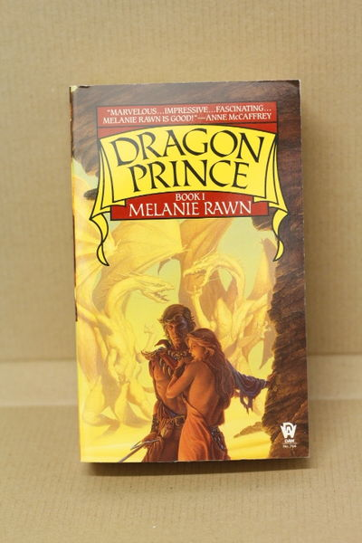 Dragon Prince - Book 1 of 3: Dragon Prince - Melanie Rawn  (käytetty)